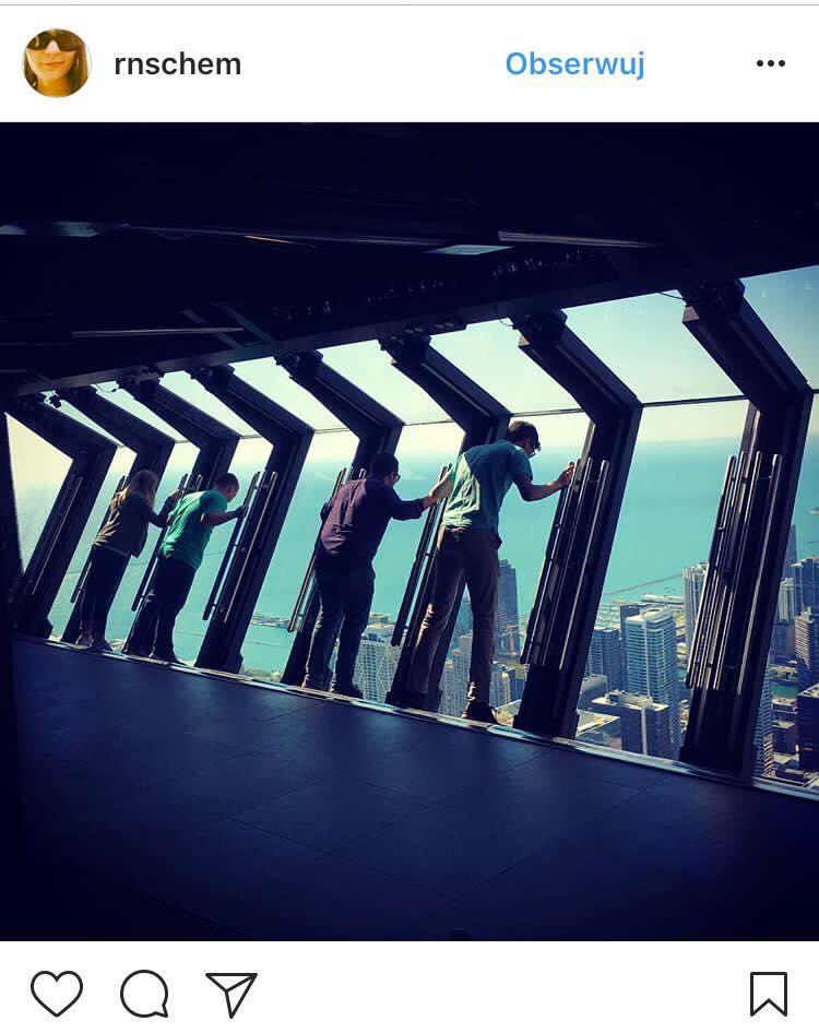 John Hancock Tilt w Chicago/ instagram: rnschem