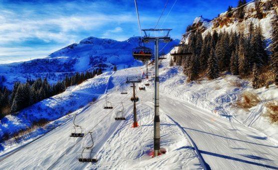 5 rzeczy, które musisz zabrać jadąc na narty