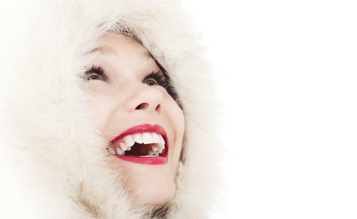 Rewelacyjny sposób na spierzchnięte usta