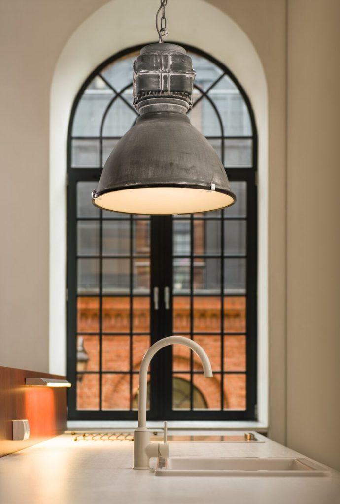 Lampa Boston