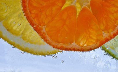 Eksfoliacja - na czym polega peeling kwasami owocowymi?