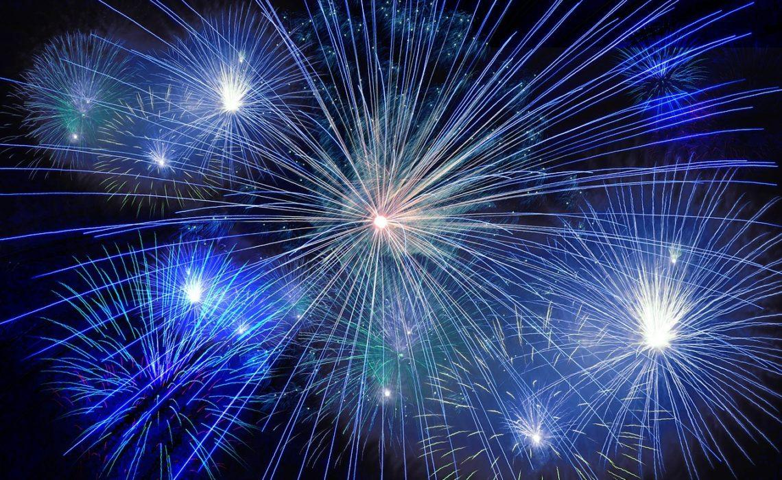 Sylwestrowe zwyczaje z różnych części świata. Sprawdź co przyniesie ci szczęście w Nowym Roku