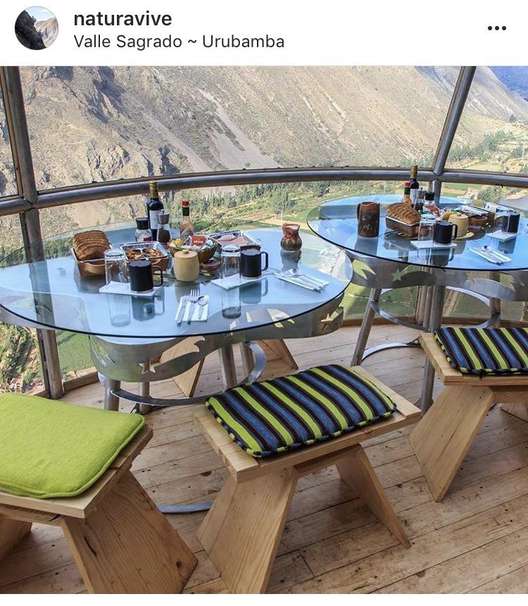 Cusco w Peru- posiłek w kopułach